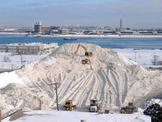 635725752766091006-AP-ODD-Dirty-Snow-Pile